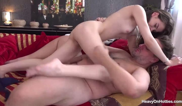 Teen - Molly Brown Takes A Rough Anal Pounding From A Big Guy
